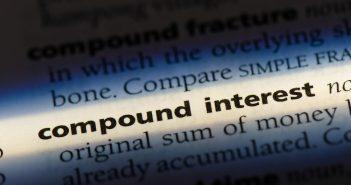 Definitionsbeschrieb zu compounding interest, sinnbildlich im Zusammenhang mit DeFi