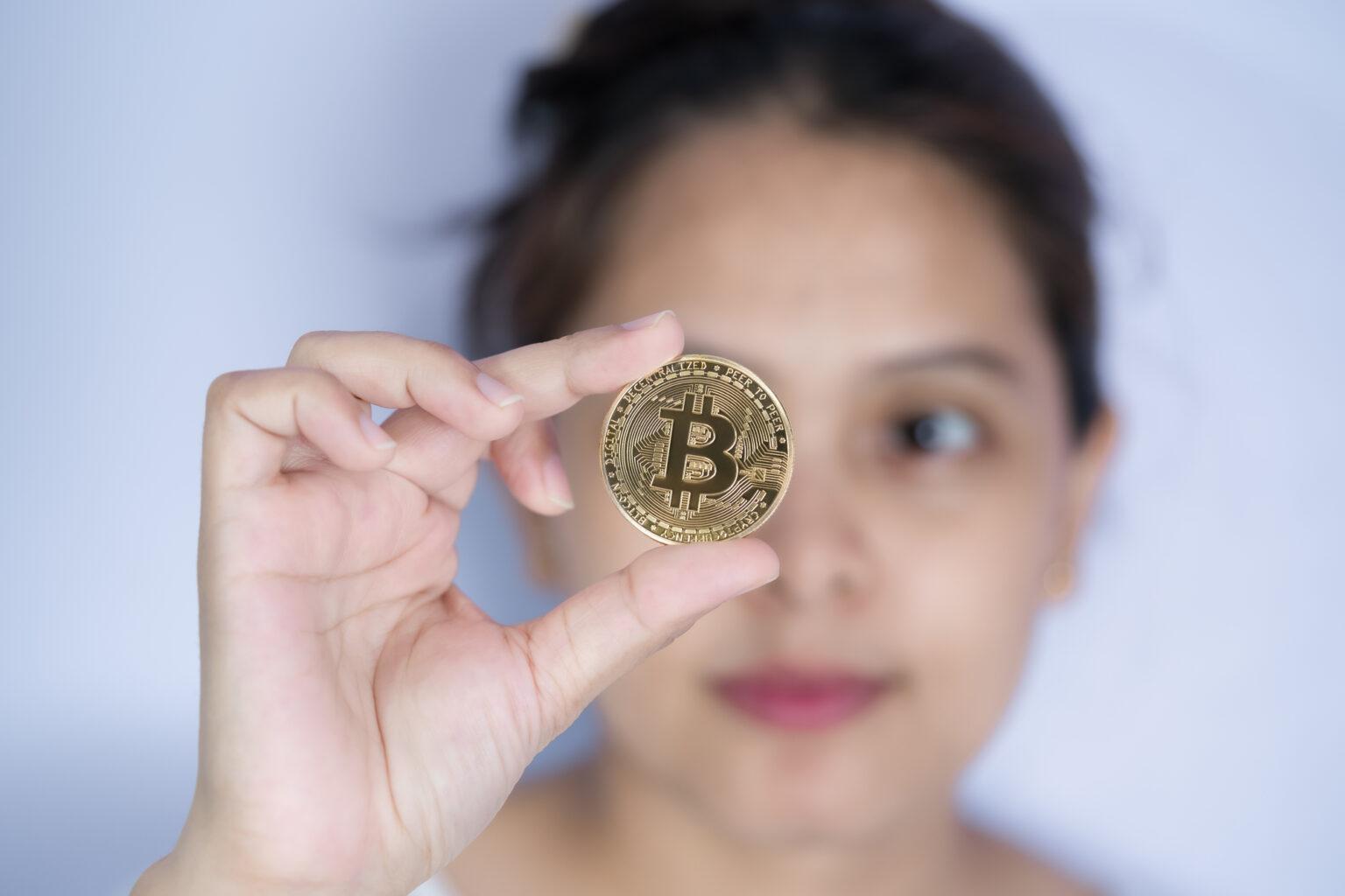 female crypto traders