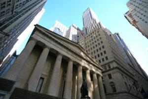 Wall Street Banken steigen vermehrt in die Krypto-Industrie ein